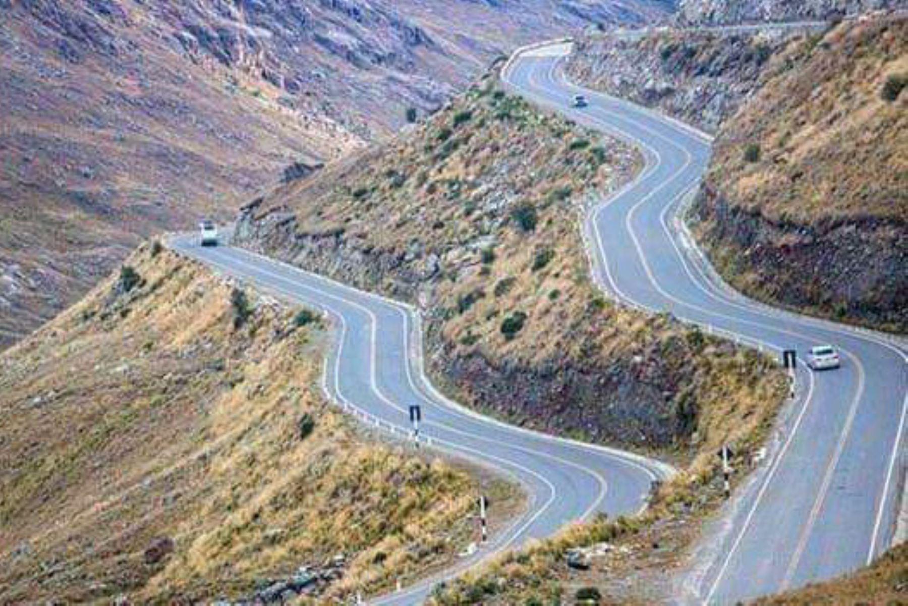 El Gobierno Regional de Áncash concluyó el asfaltado de 85 kilómetros de la vía Cátac-Túnel de Cahuis-Chavín de Huántar-San Marcos-Succha.