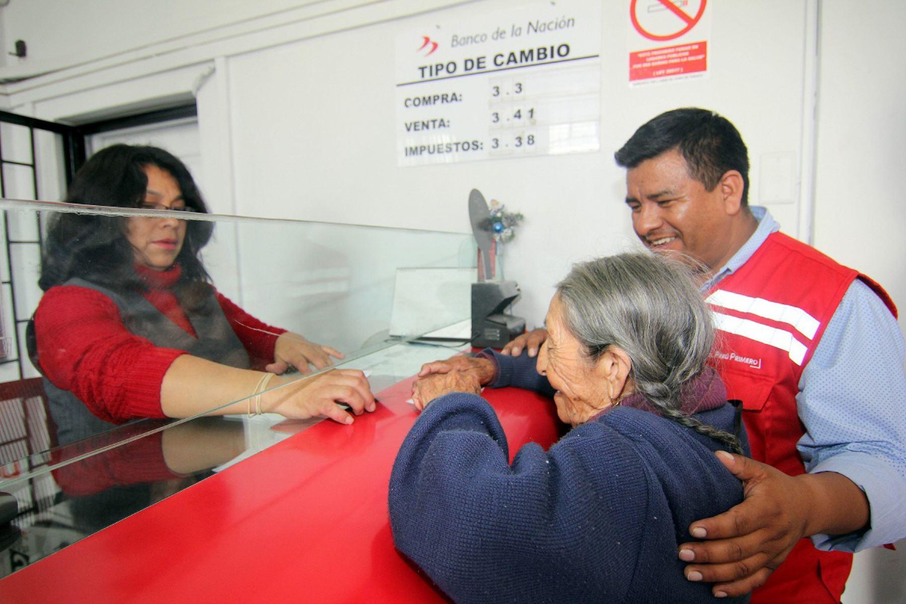 El director del programa Pensión 65, Julio Mendigure, participó en supervisión de pagos.