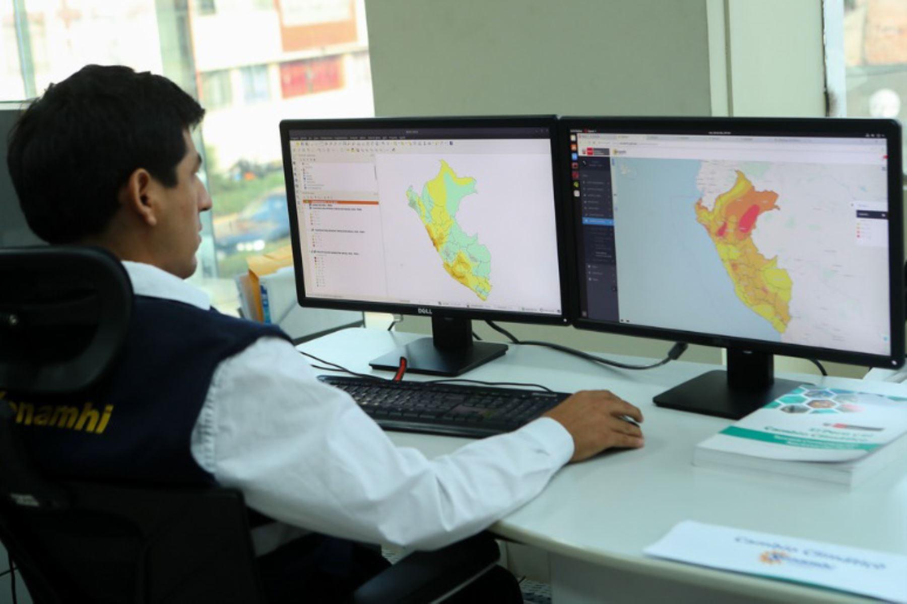 La ministra del Ambiente, Fabiola Muñoz, sostuvo que su sector, a través del Servicio Nacional de Meteorología e Hidrología (Senamhi), ha implementado una plataforma de infraestructura de datos espaciales para la gestión de riesgo de desastres y así hacer frente al cambio climático.
