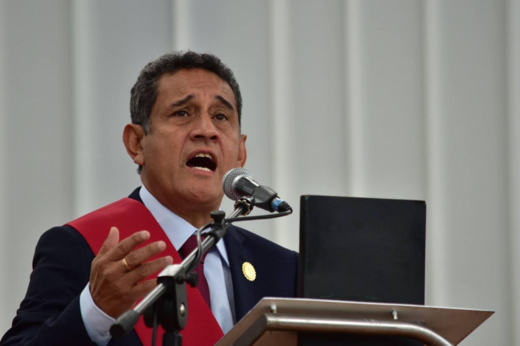 Gobernador regional de Cajamarca, Mesías Guevara Amasifuén, jura al cargo para el período 2019-2022.