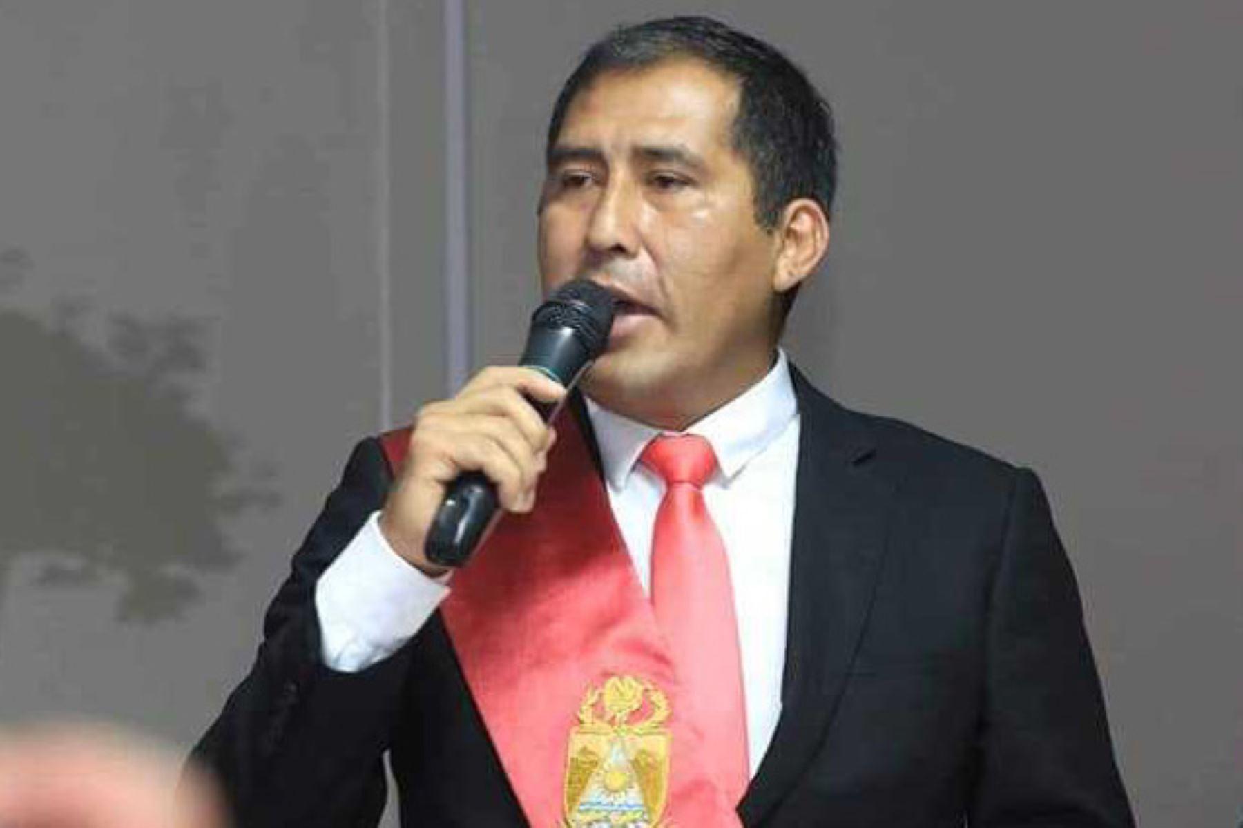 Gobernador regional de Áncash, Juan Carlos Morillo, jura al cargo para el período 2019-2022.