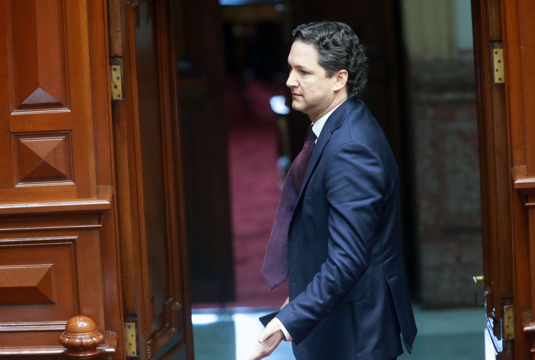 Hoy se reanuda el debate de interpelación al ministro Vicente Zeballos