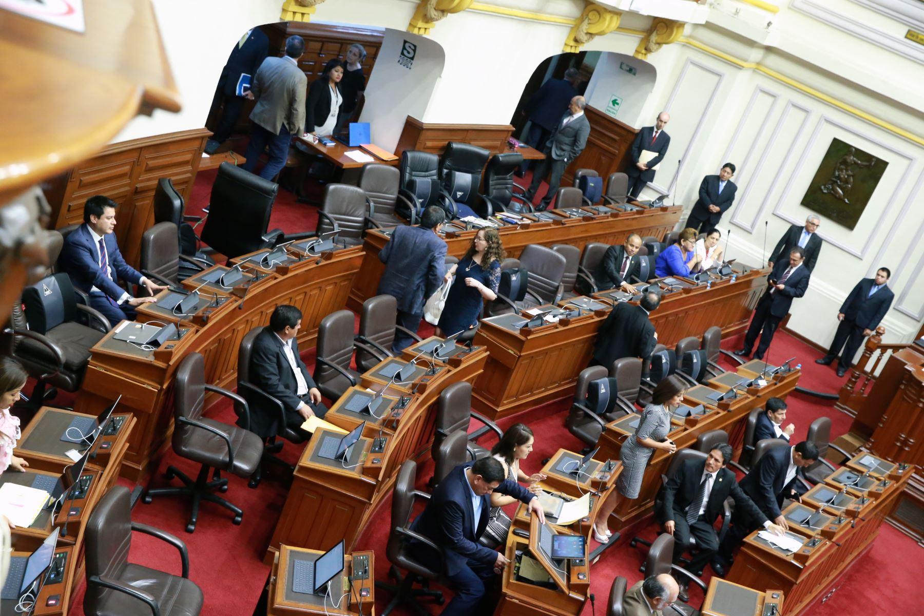 Bancada de Fuerza Popular se retira del pleno del congreso. Foto: ANDINA/Norman Córdova