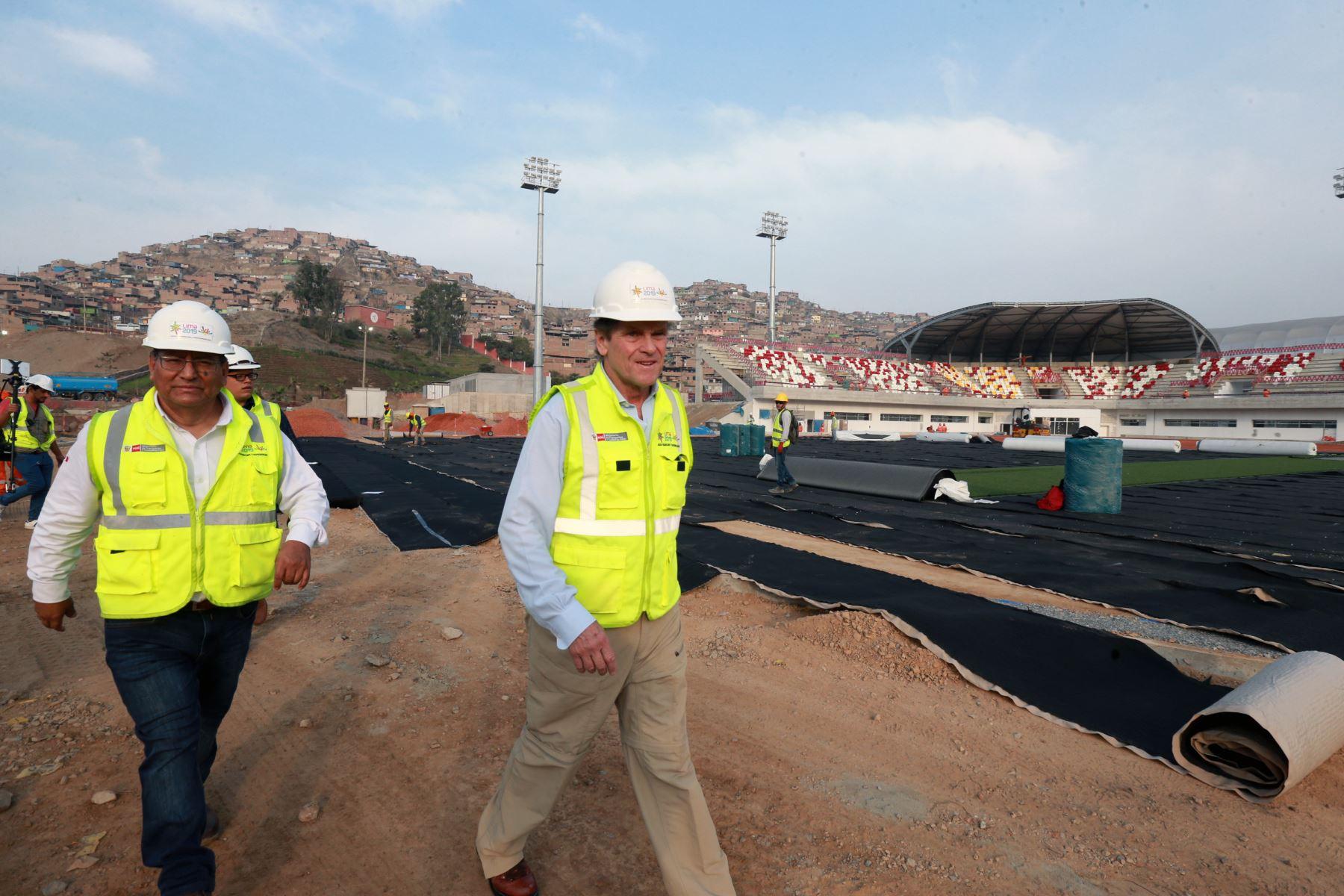 Carlos Neuhaus inspeccionó  el avance de la construcción de  infraestructuras de las villas deportiva, en Villa Maria  del Triunfo; a ser usadas en los Juegos Panamericanos Lima 2019. Foto: ANDINA/Norman Córdova