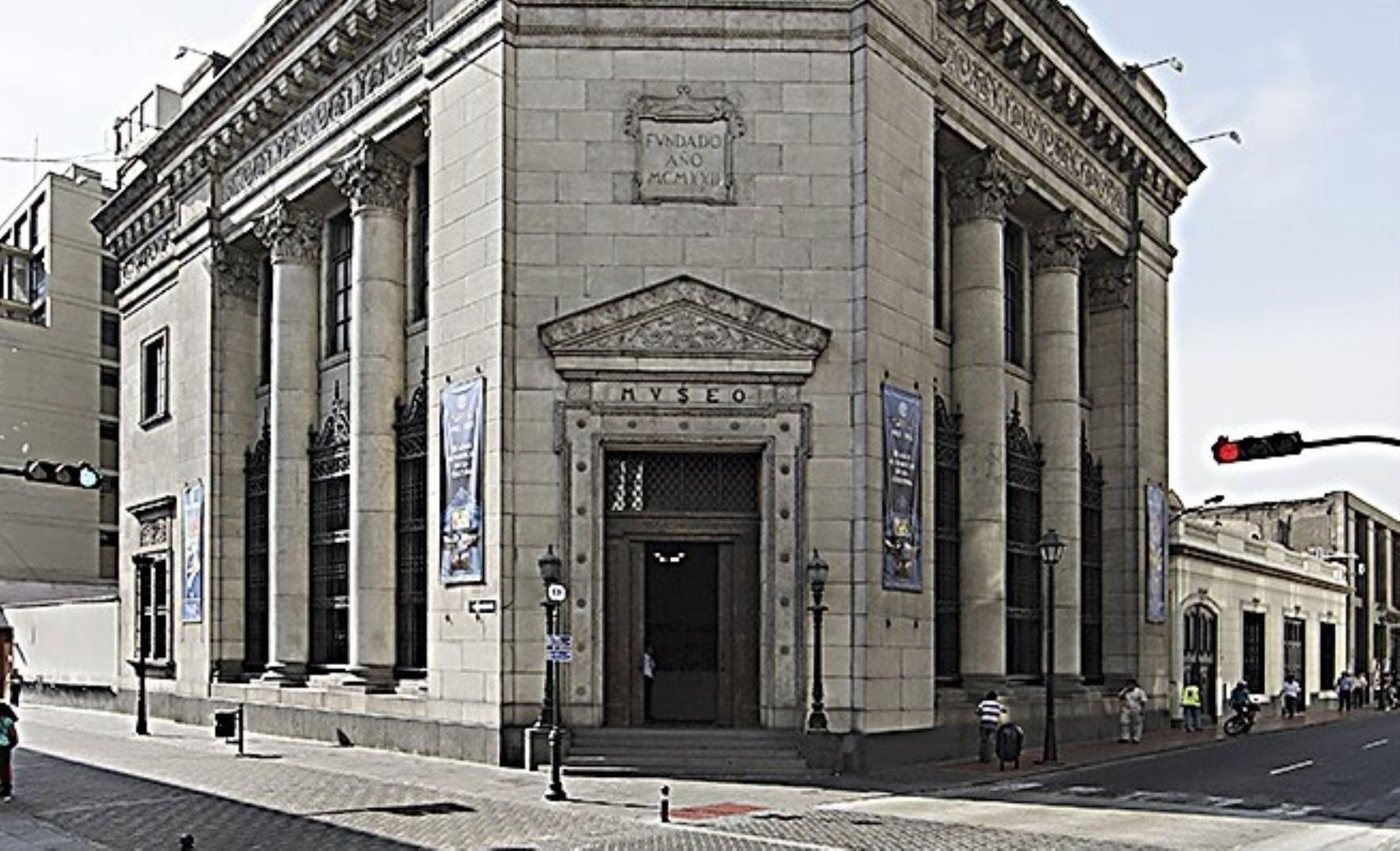 Fachada del Museo Central