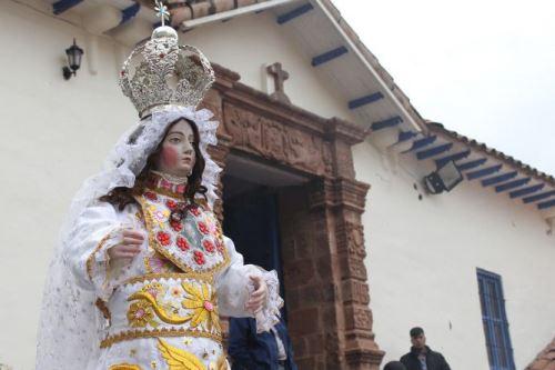 Venerada imagen escultórica Virgen Purificada de Saylla fue entregada a autoridades eclesiásticas por la Dirección Desconcentrada de Cultura del Cusco. Foto: DDCC
