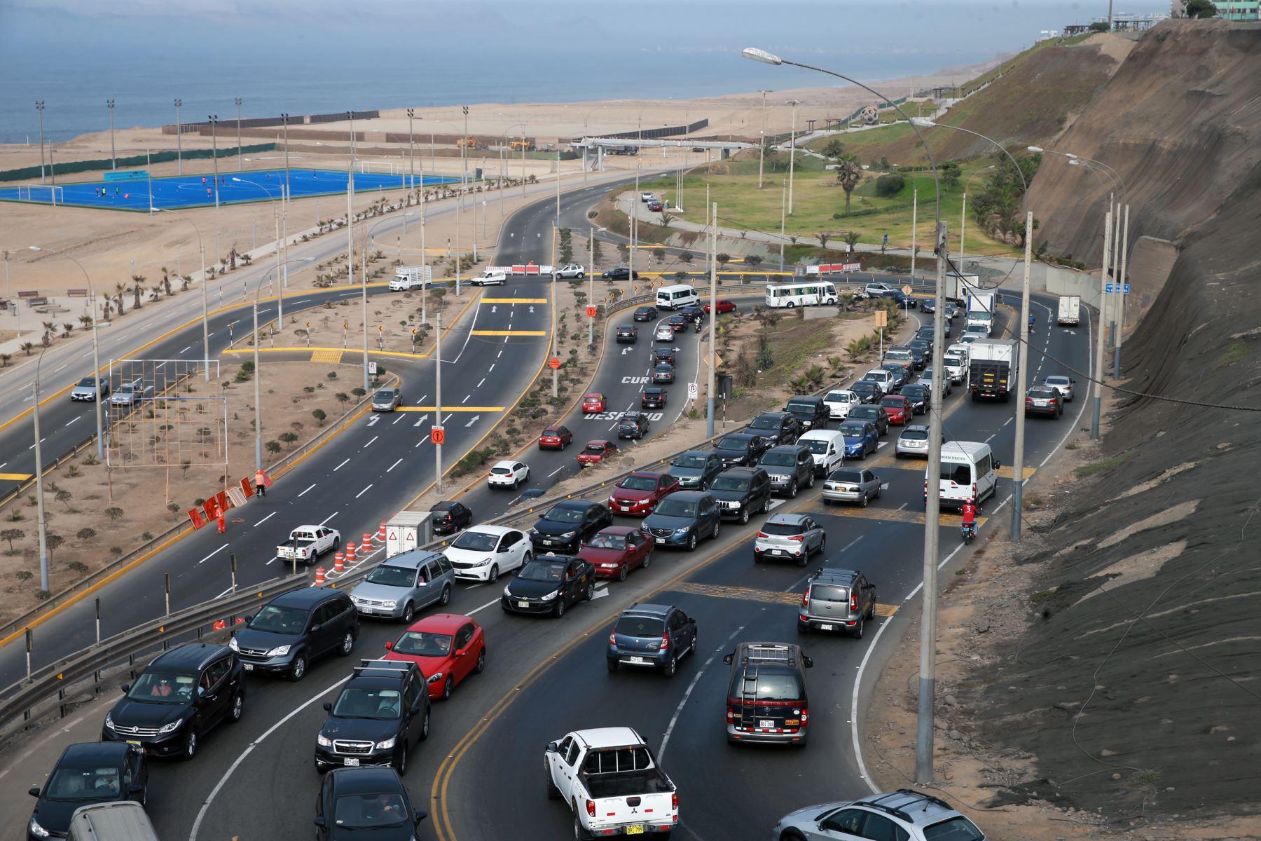 Inició la aplicación del plan de desvío vehicular en la Costa Verde para iniciar los trabajos de ampliación de la vía. .Foto: ANDINA/Norman Córdova