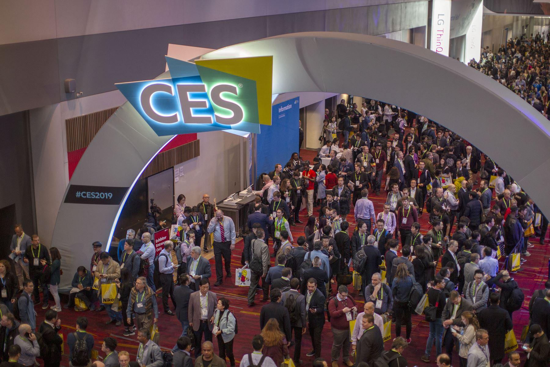 Salas de exposiciones dentro del Centro de Convenciones de Las Vegas durante el CES 2019 en Las Vegas. AFP