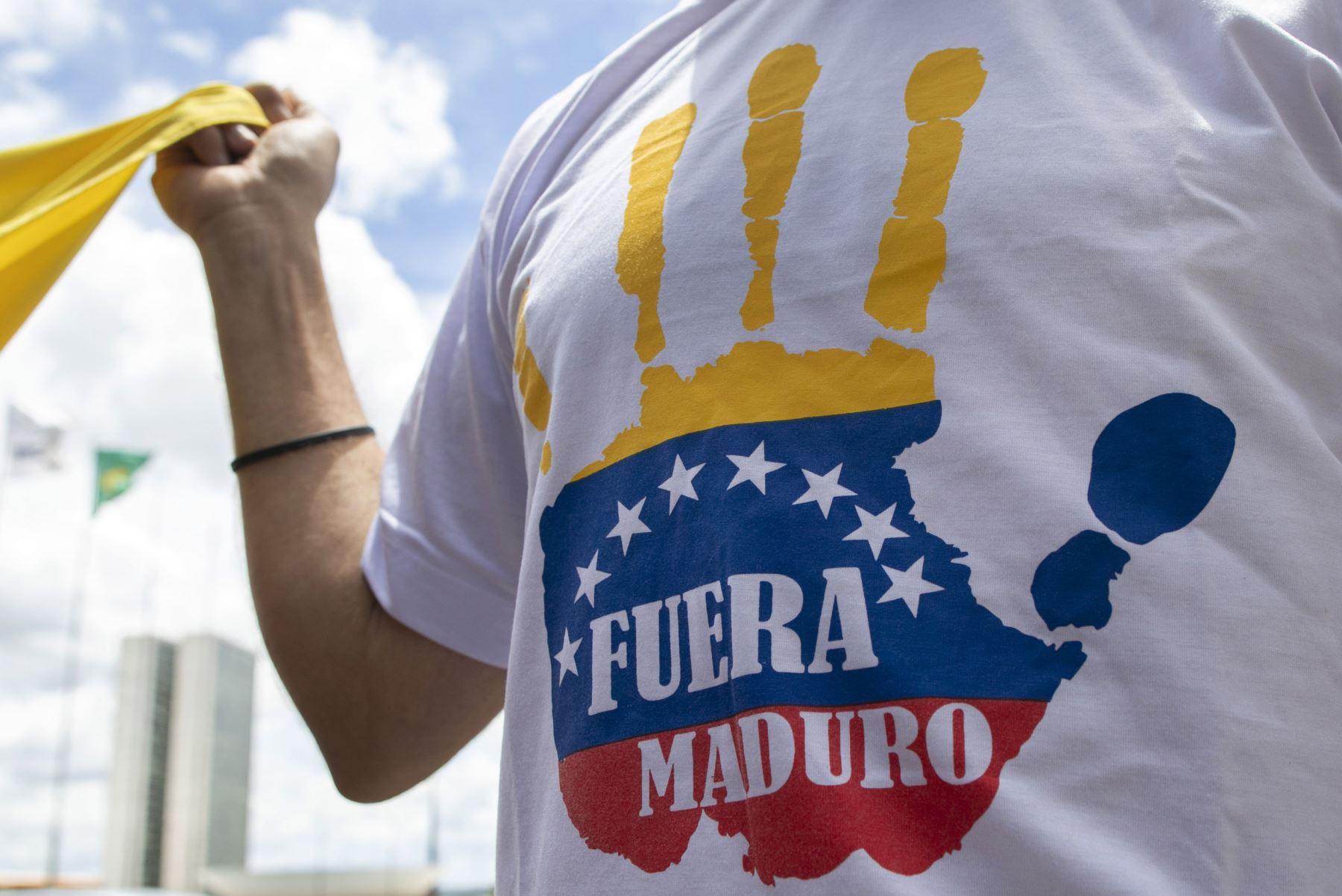 Venezolanos se manifiestan contra Maduro . AFP