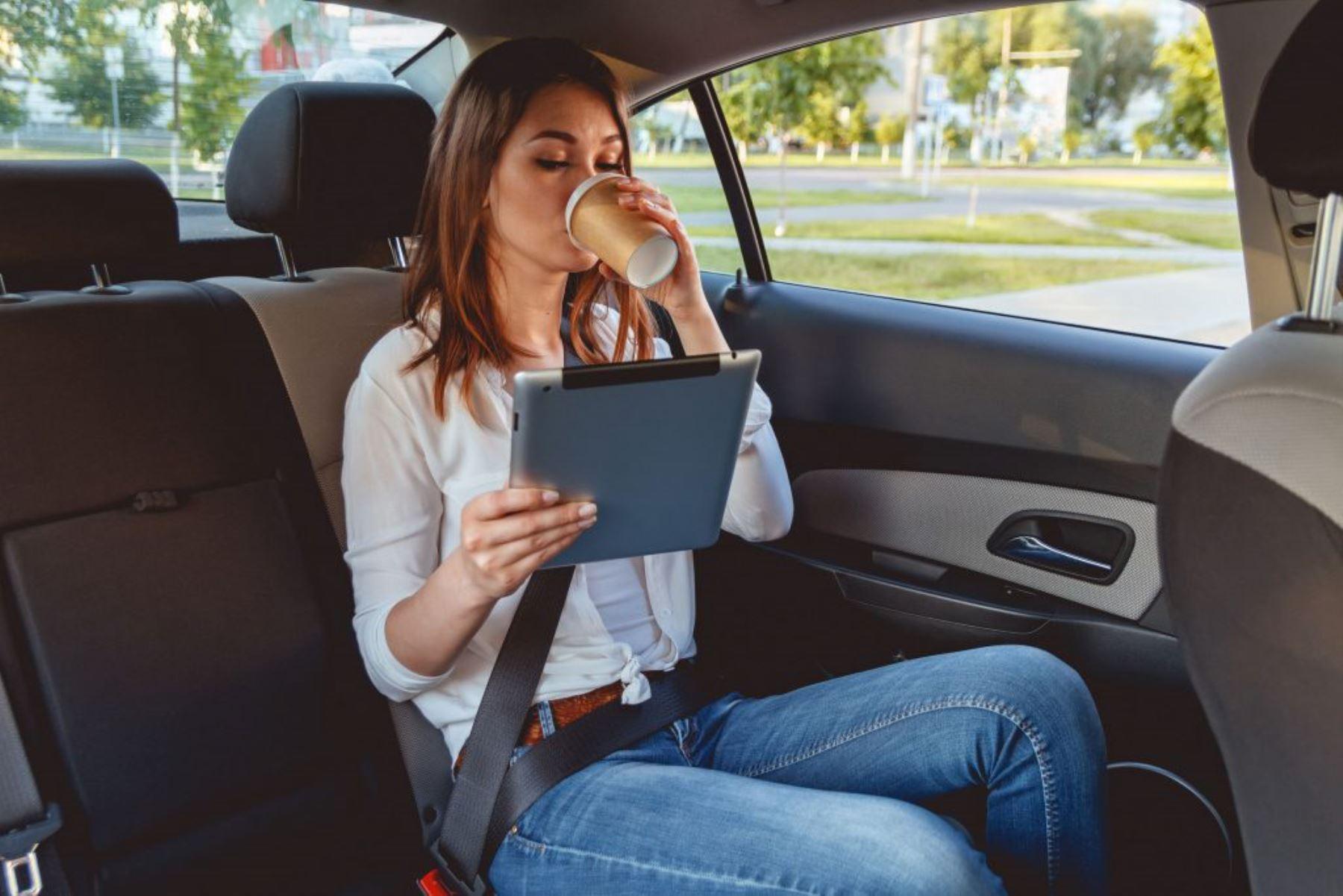 Usar cinturón de seguridad en los asientos posteriores de un vehículo puede ser la diferencia entre la vida y la muerte. Foto: Internet/medios.