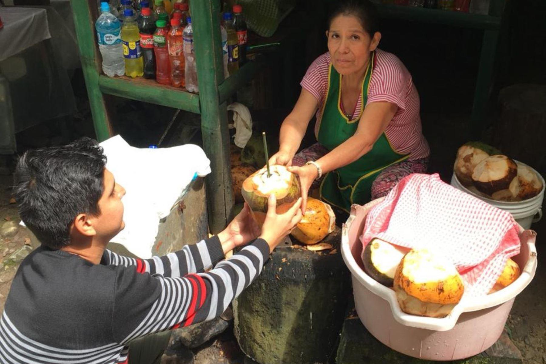Cañitas de bambú reemplazan al plástico en Parque Nacional Tingo María. ANDINA/Difusión