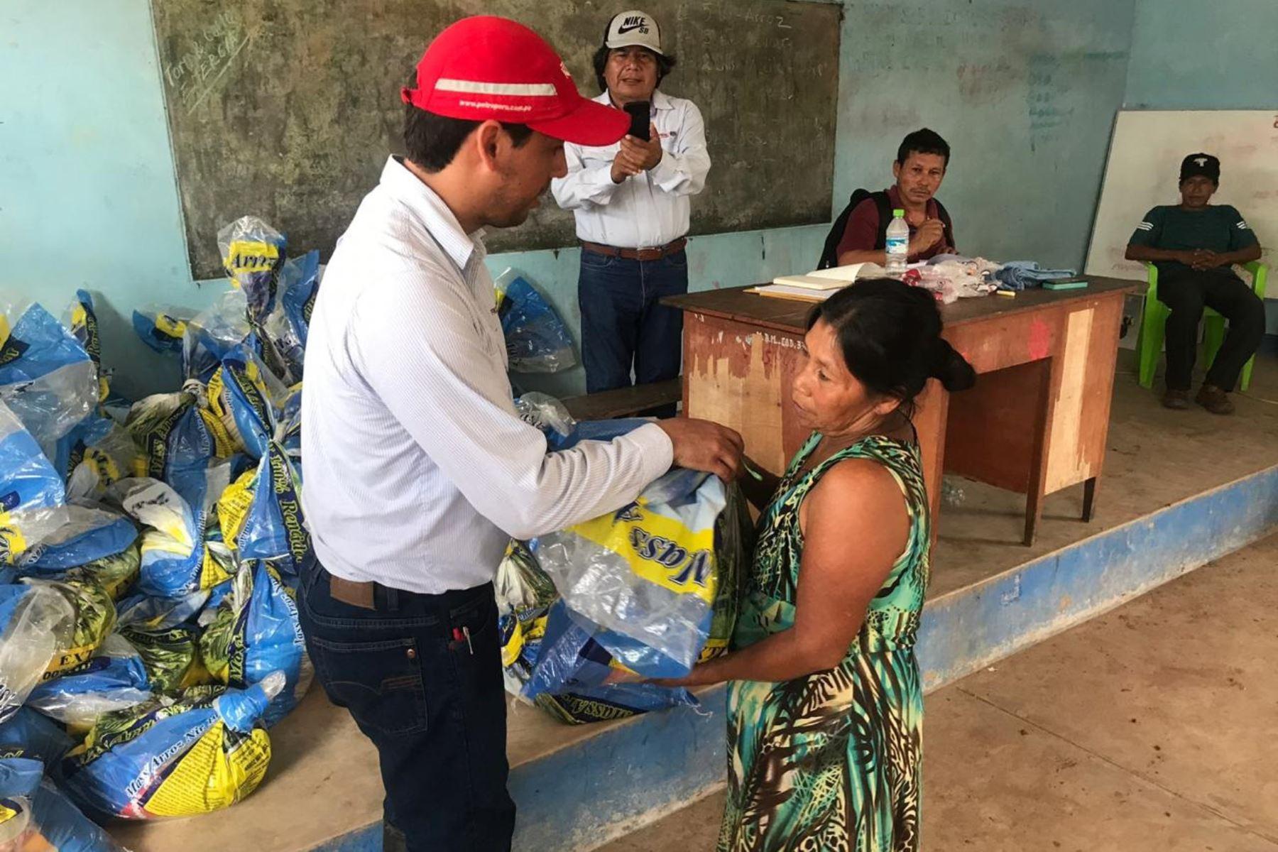 Petroperú entrega víveres y agua a familias de distrito de Manseriche, en Loreto. ANDINA/Difusión