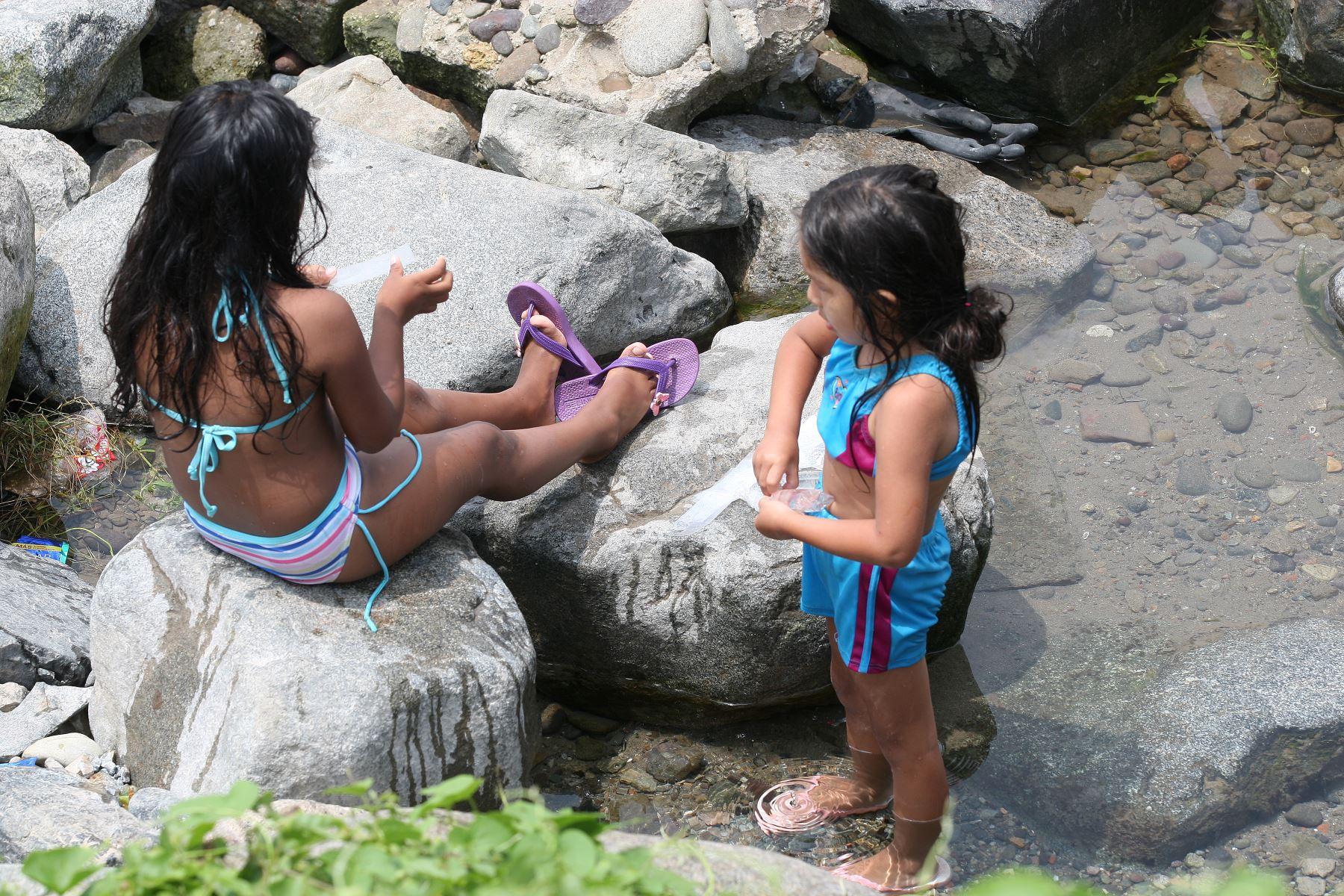 Veraneantes se volcan a playas limeñas en busca de sol arena y mar.Foto:ANDINA/Héctor Vinces.