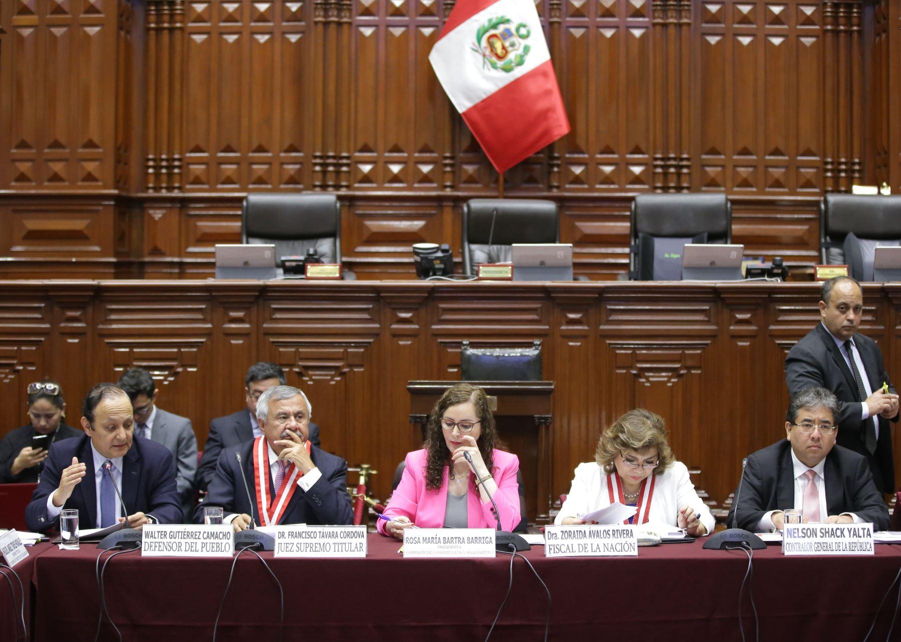 Autoridades se presentaron en la Comisión de Constitución del Congreso.