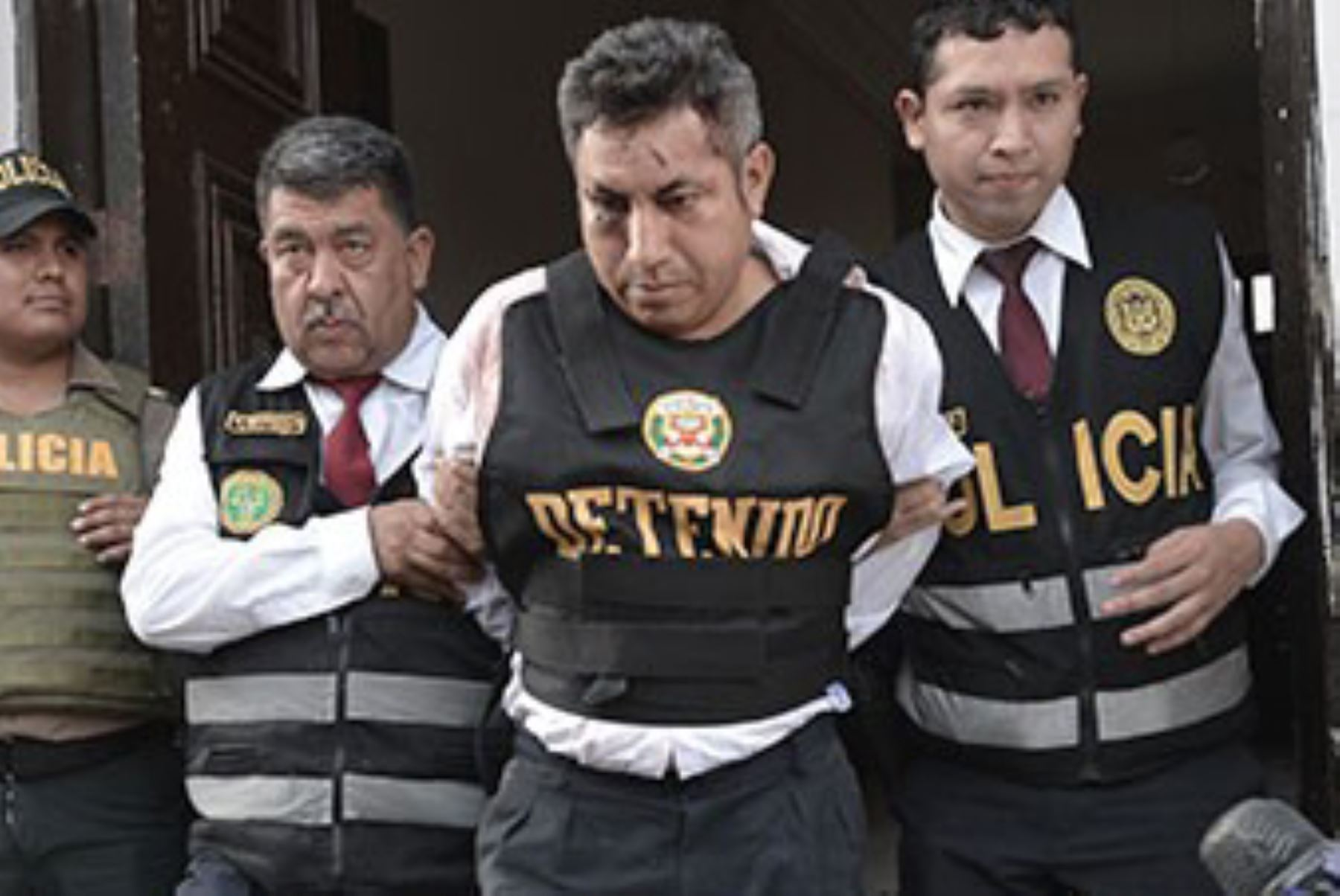 En pleno mercado asesinó de tres balazos a su ex pareja — Callao