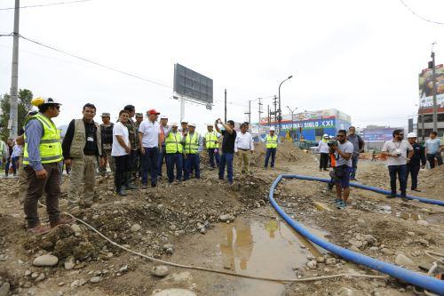 Presidente Vizcarra inspeccionó zona afectada por aniego en San Juan de Lurigancho