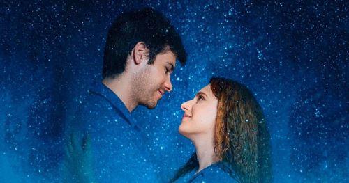 Foto promocional de la obra de teatro Constelaciones