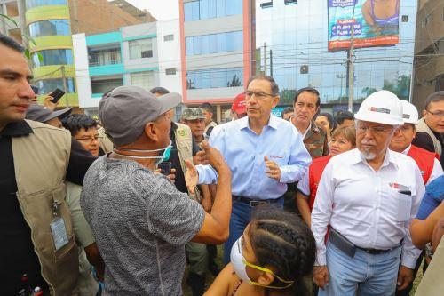 Presidente Vizcarra en inspección a zona afectada por el aniego en San Juan de Lurigancho