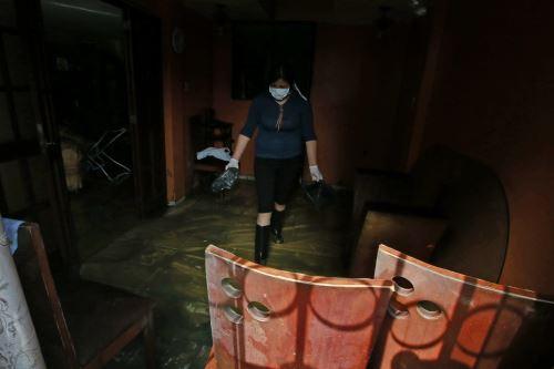 San Juan de Lurigancho, continúan limpieza en la zona del aniego