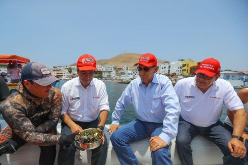 """Presidente Vizcarra en jornada ambiental """"Playas Limpias 2019"""" en Pucusana"""