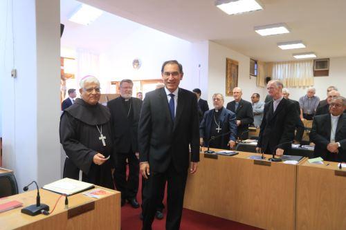 Presidente Vizcarra se reune con los obispos miembros de la Conferencia Episcopal Peruana.