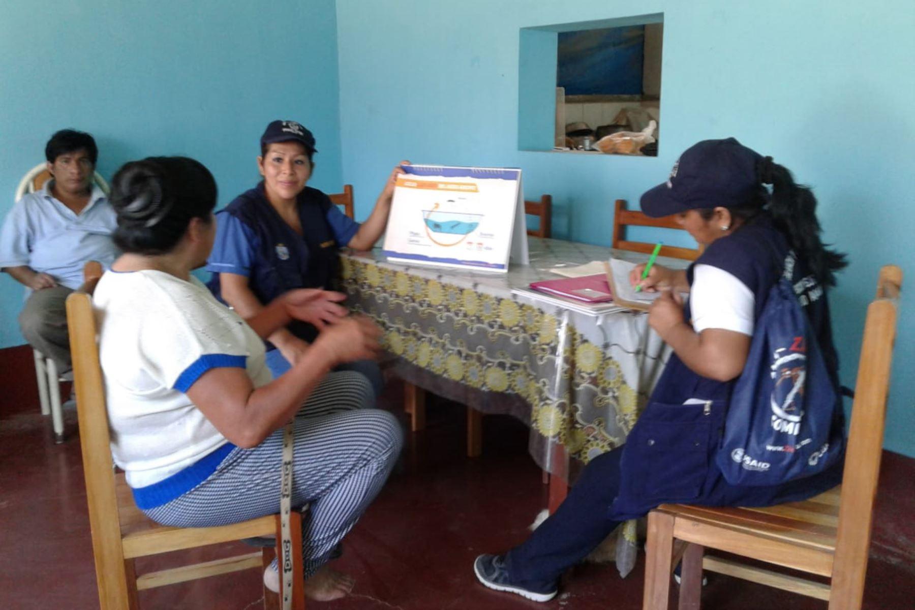 La Geresa de Lambayeque inició visitas domiciliarias para orientar a las familiar y prevenir el dengue y la malaria.