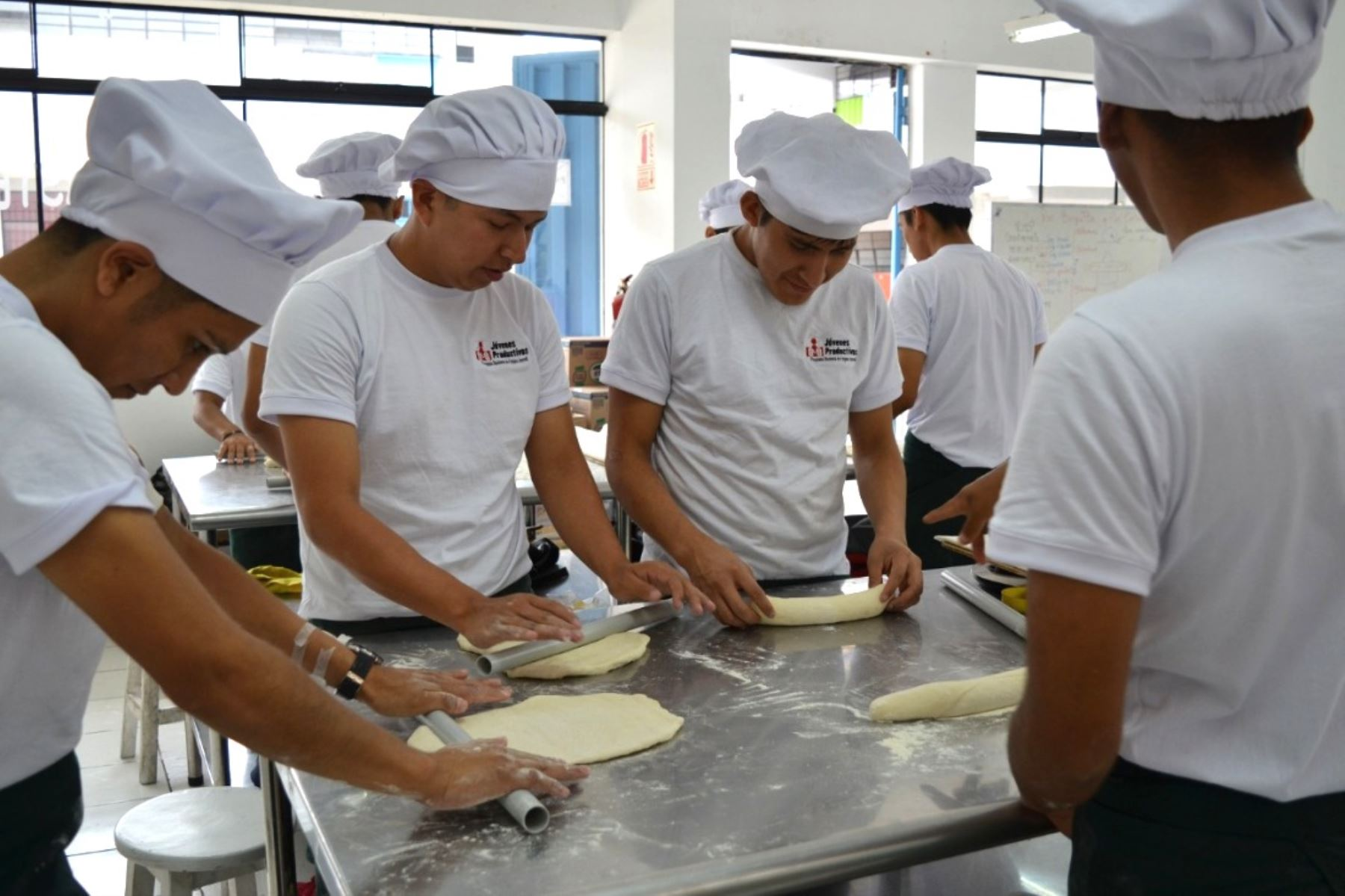MTPE ofrece 930 becas de capacitación en panadería y operario de almacén. Foto: ANDINA/Difusión.