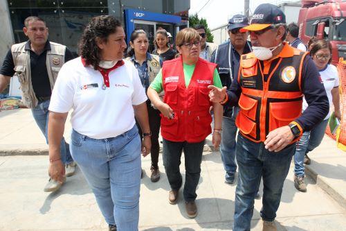 El Ejecutivo continúa con la  ayuda a los ciudadanos afectados por los aniegos en San Juan de Lurigancho