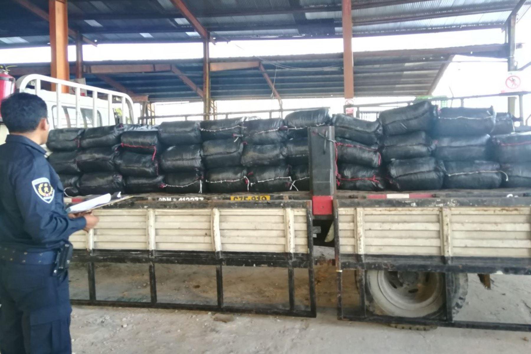 Personal de Sunat intervino 8.7 toneladas de productos hidrobiológicos de origen ilegal en Loreto. ANDINA/Difusión