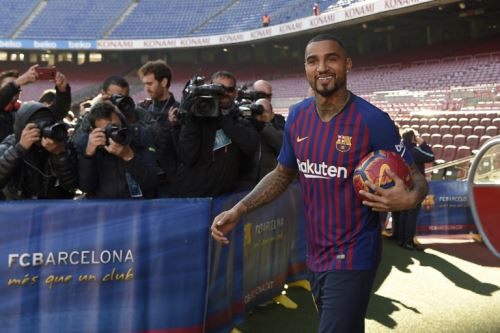 Kevin-Prince Boateng fue presentado como flamante jugador del Barcelona