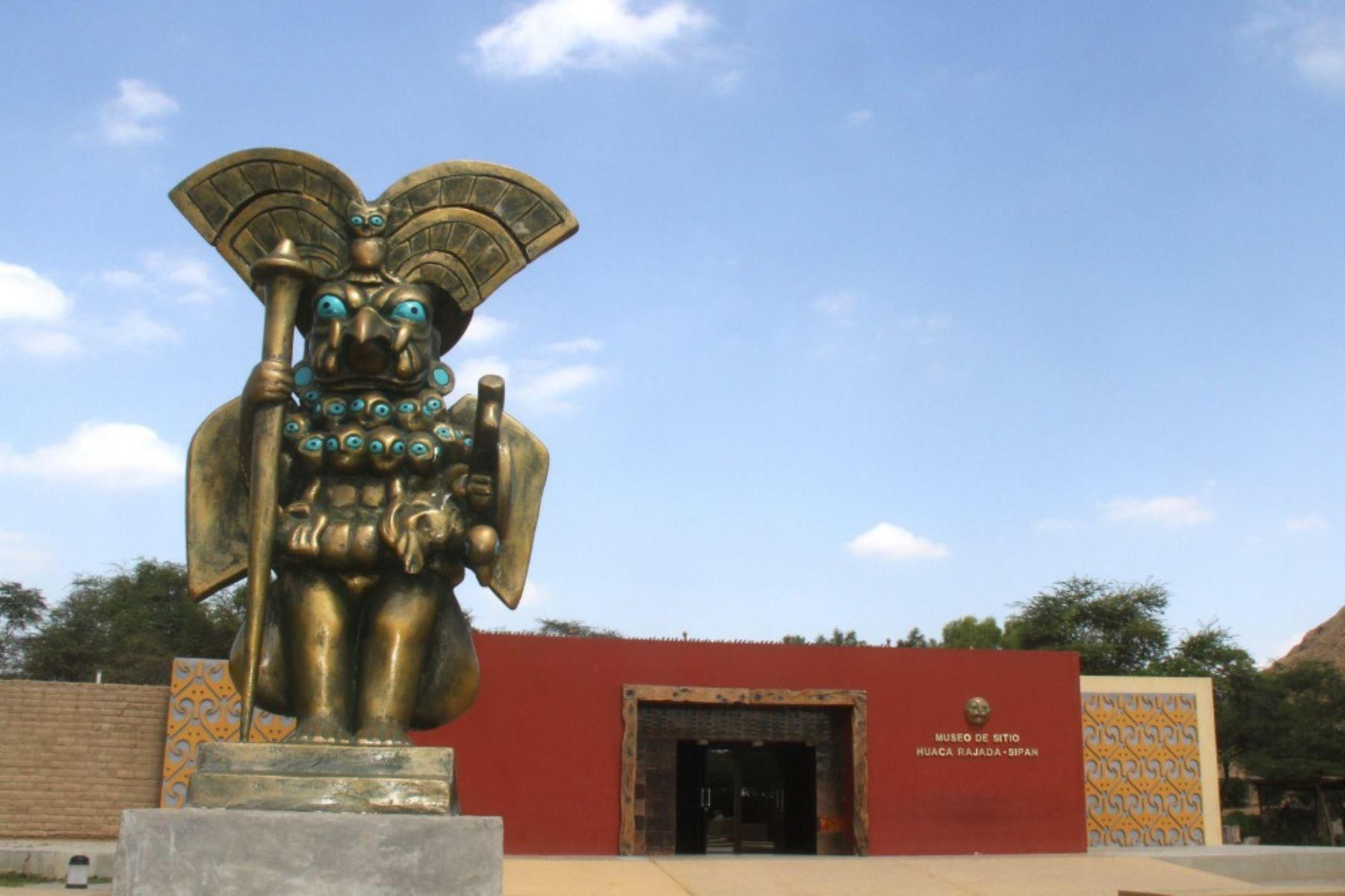 """El Museo de Sitio Huaca Rajada-Sipán celebra su décimo aniversario de una manera singular, con la """"elección del guerrero mochica"""", una competencia sobre resistencia física y conocimientos sobre esa cultura precolombina que surgió entre los siglos II y V en el valle del río Moche y se extendió hacia los valles de la costa norte del Perú."""