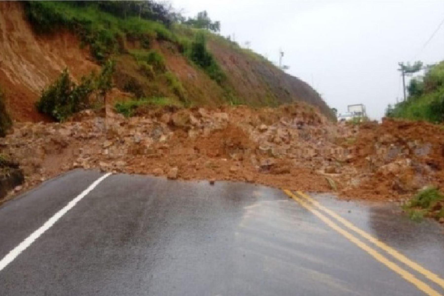 Deslizamiento afecta tránsito en la carretera Fernando Belaunde en región San Martín. ANDINA