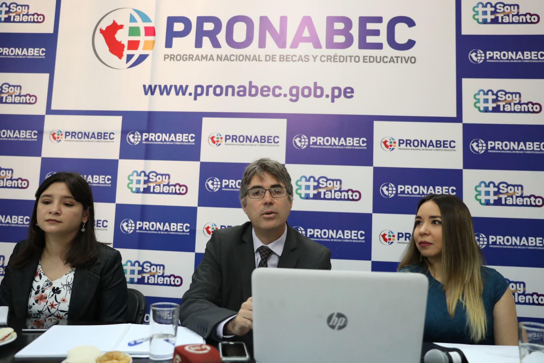 Diana Marchena, Sandro Parodi yJackelin Tapia ofrecieron detalles a la prensa. Foto: ANDINA/Melina Mejía.