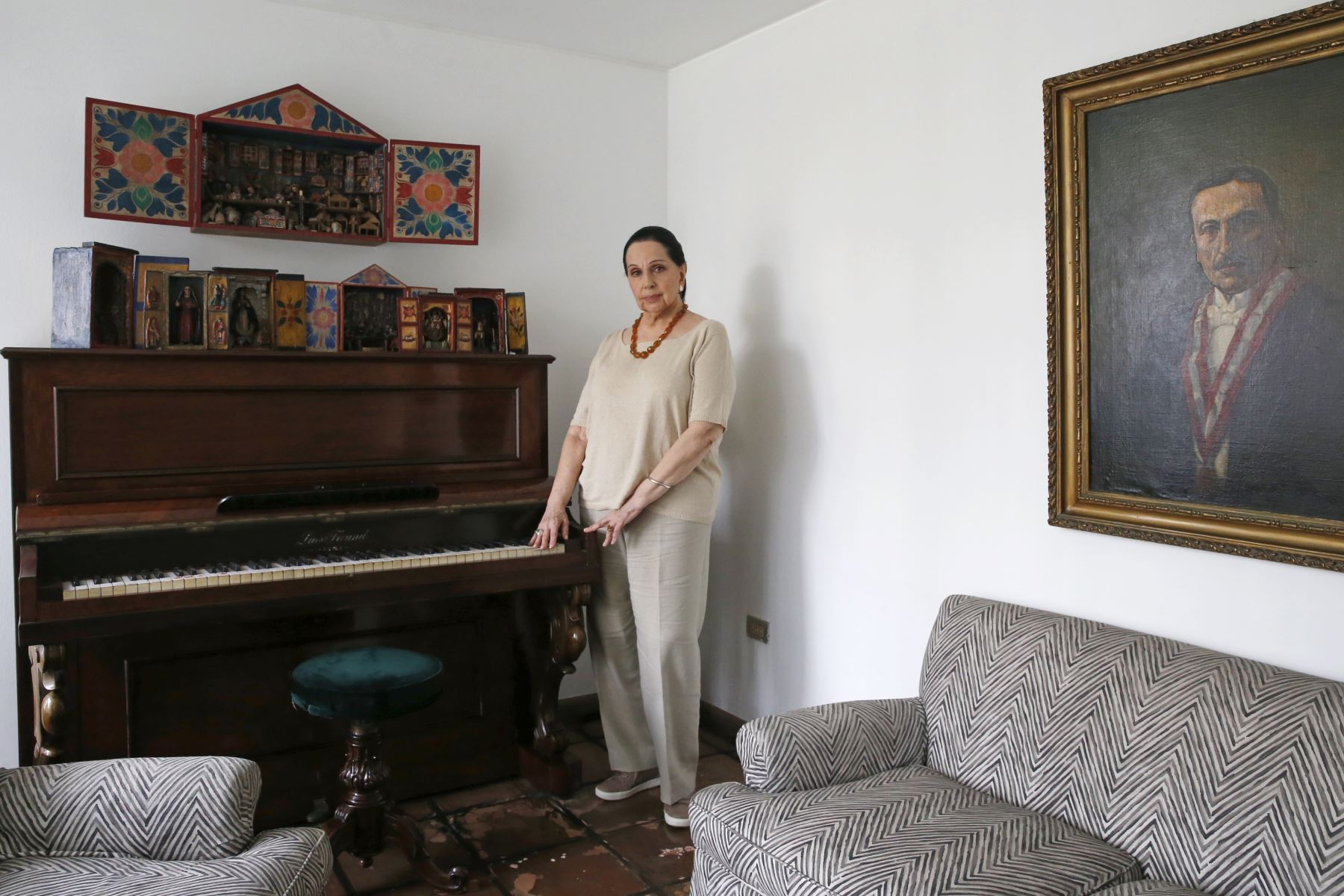 """Entrevista Alicia Maguiña. Intérprete y compositora peruana presenta su libro """"Mi vida entre cantos"""". Foto: ANDINA/Nathalie Sayago"""