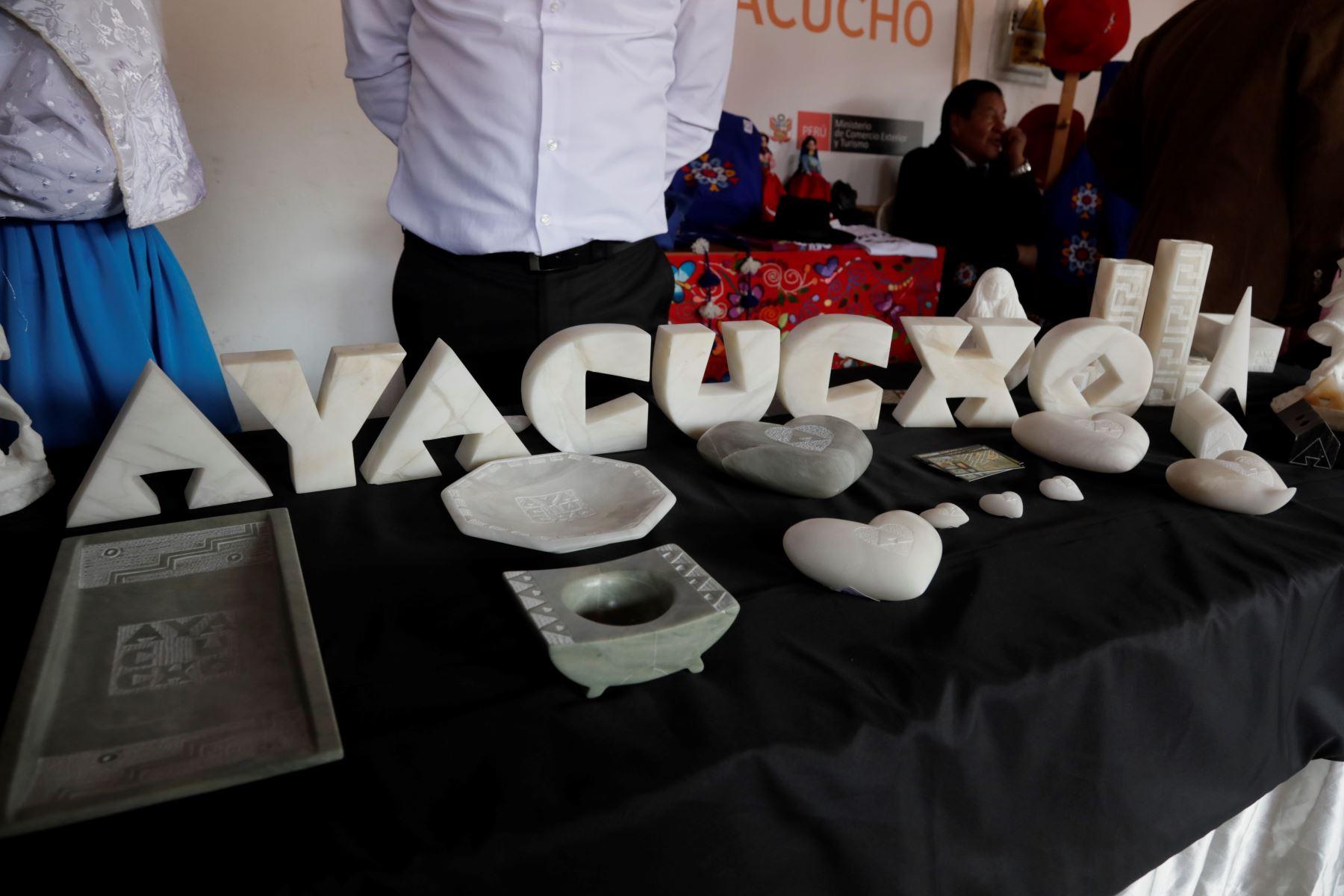 ANDINA/DifusiónMarca Ayacucho beneficiará al turismo y artesanía de esta región, destaca titular del Mincetur, Edgar Vásquez. ANDINA/Difusión