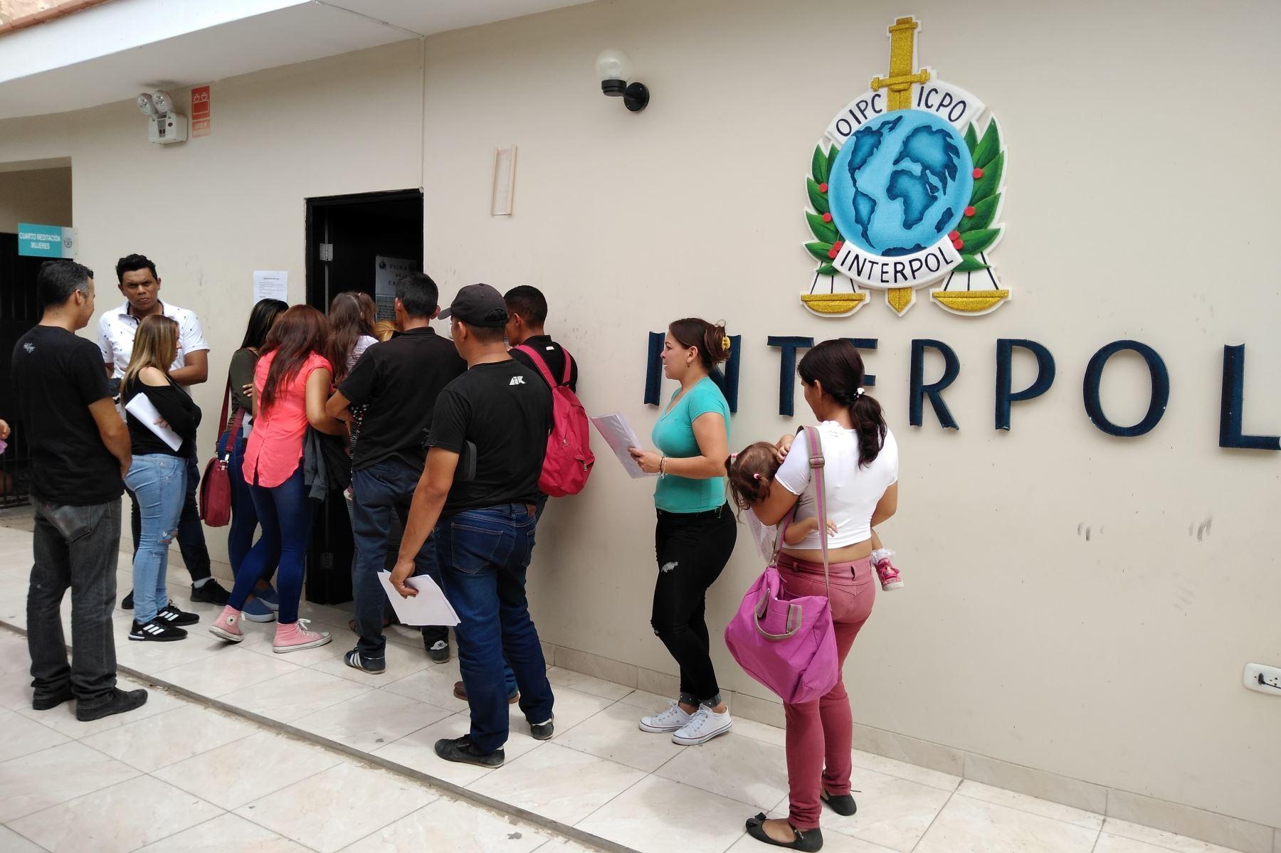 Desde noviembre pasado, la oficina de la Interopol que funciona en la comisaría de la ciudad de Lambayeque ha atendido a más de 8,000 ciudadanos venezolanos.