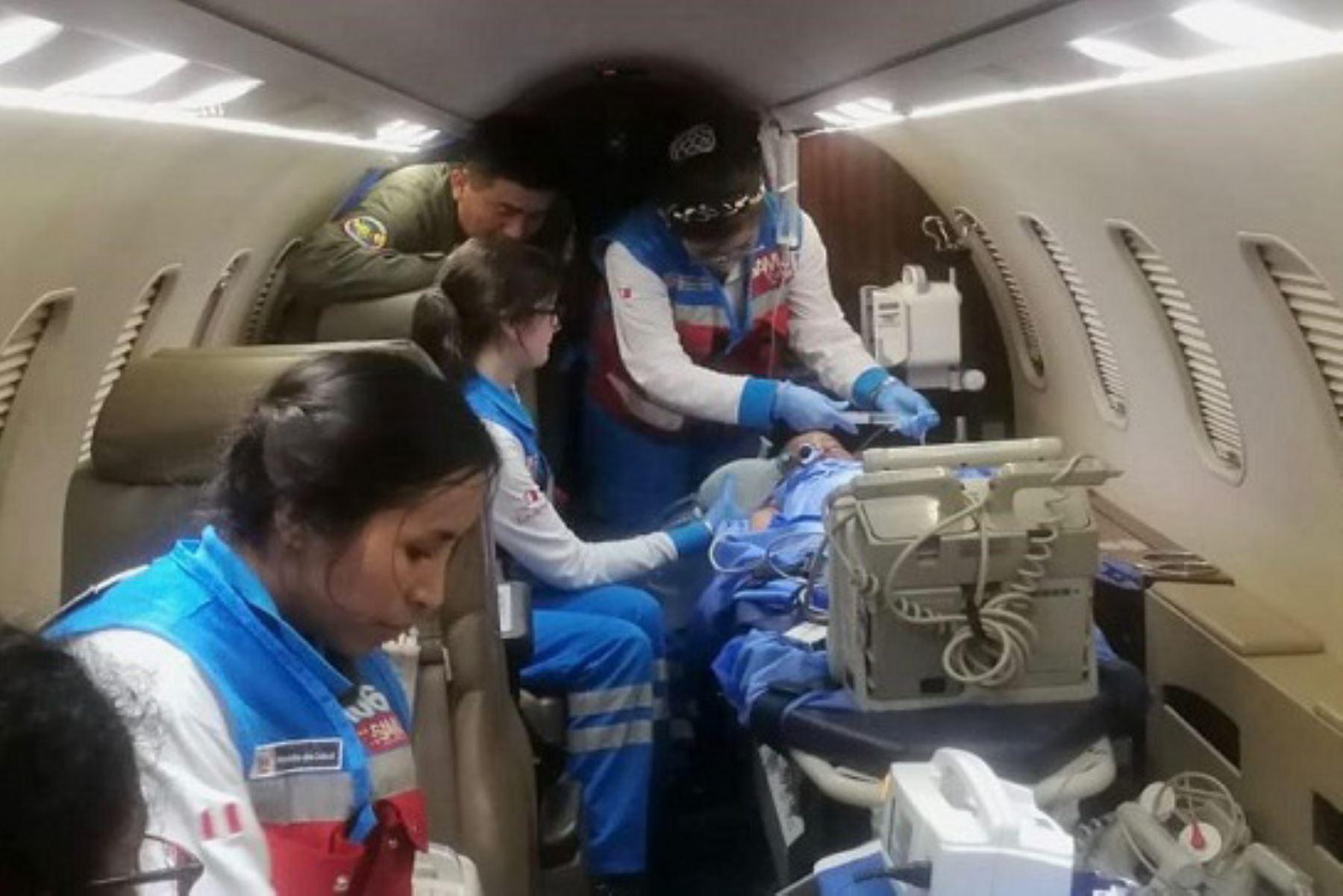 SAMU trasladó, vía aérea, a un niño con quemaduras de segundo grado en diversas partes del cuerpo.