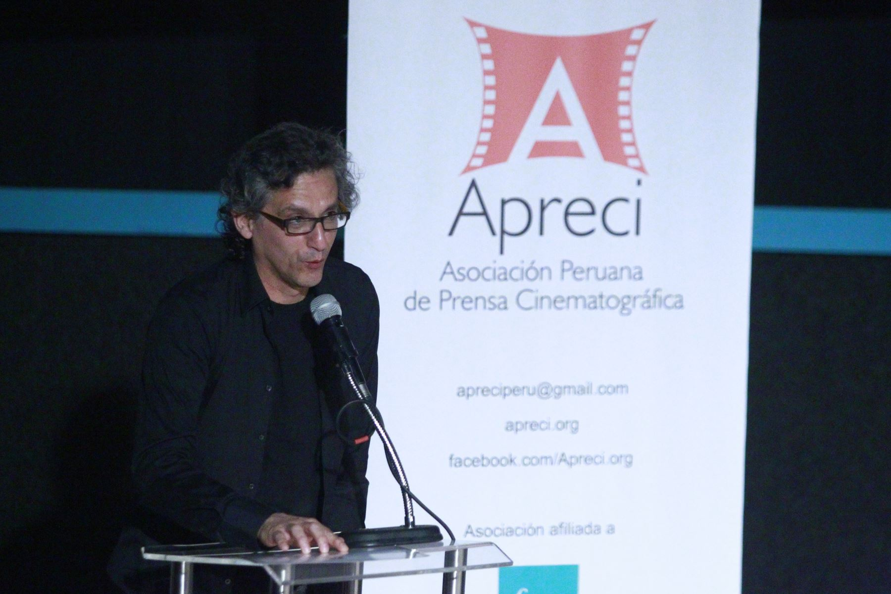 Premiación de Apreci de Miguel Iza como mejor actor por su rol de Vladimiro Montesinos en Caiga quien caiga ANDINA/Eddy Ramos