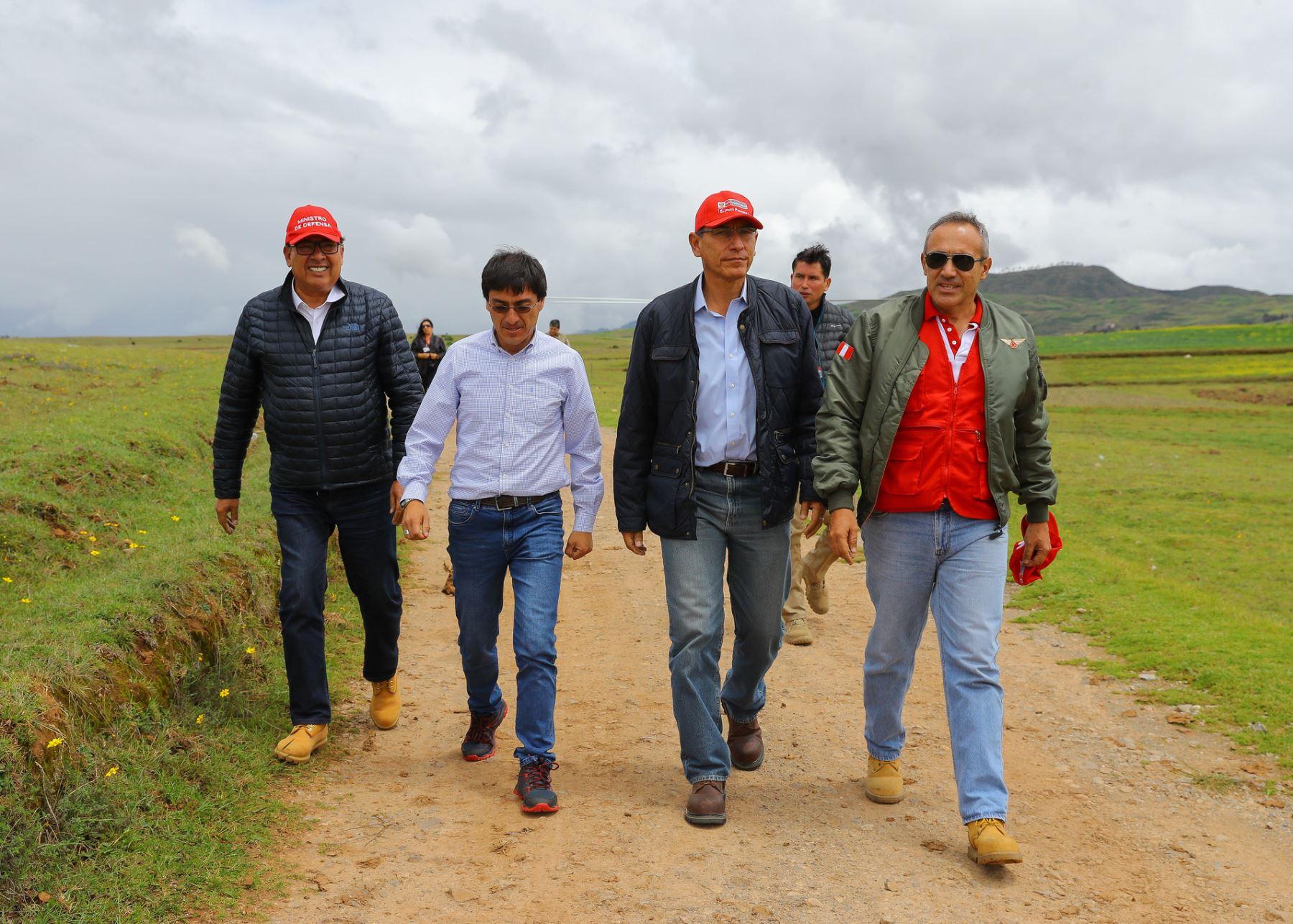 Presidente Martín Vizcarra visitó proyecto Chinchero.