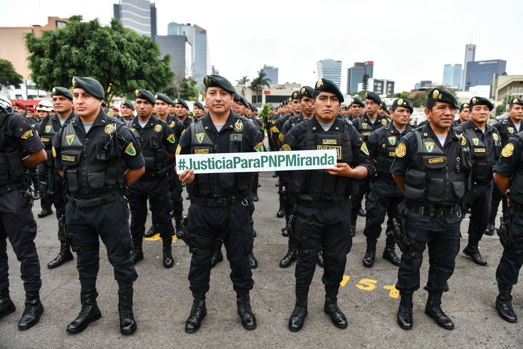 Emotivo mensaje envían sus colegas al suboficial Miranda, privado de su libertad por abatir a un delincuente. Foto: Mininter