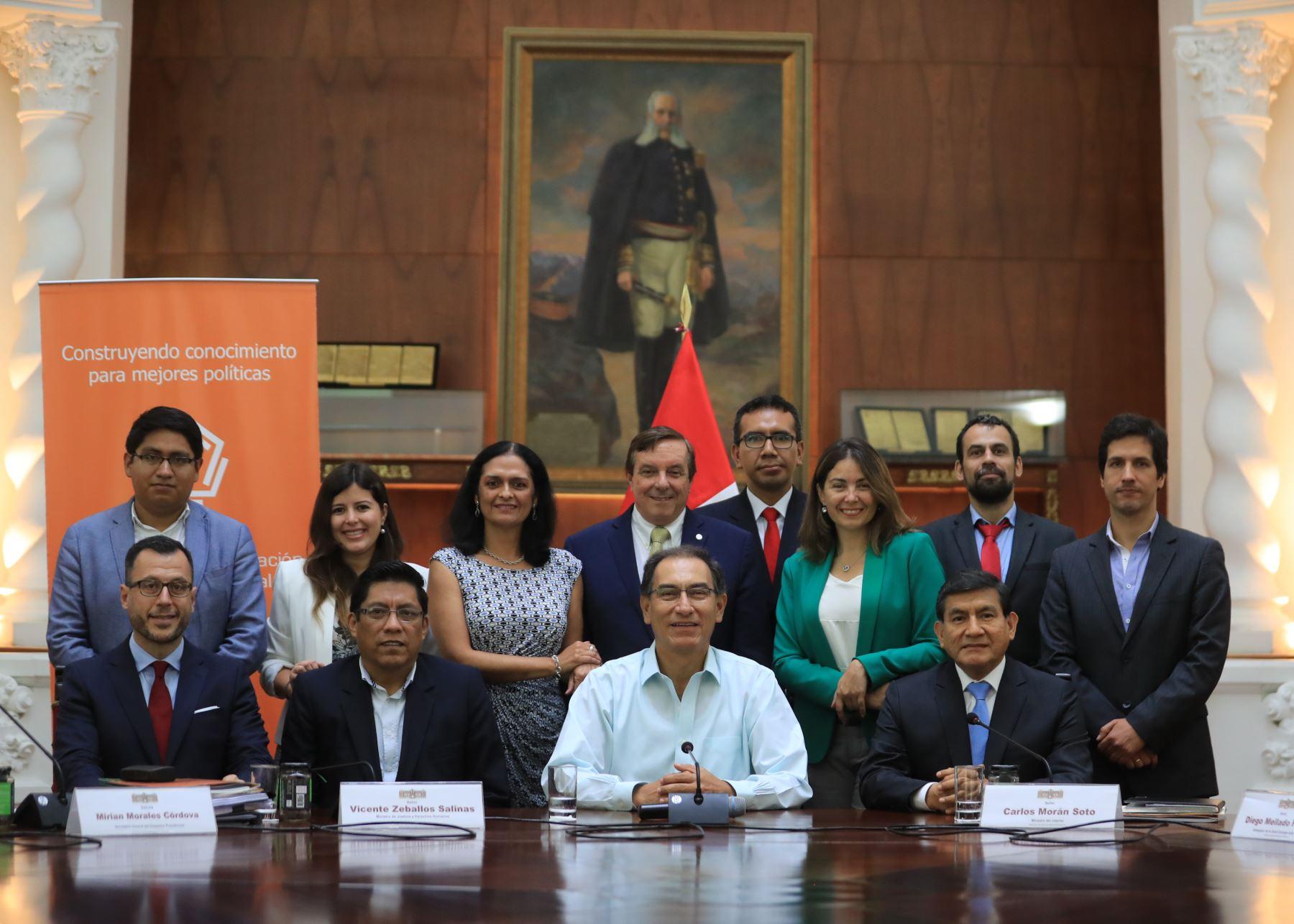 Presidente Martín Vizcarra se reunió con el CIES.