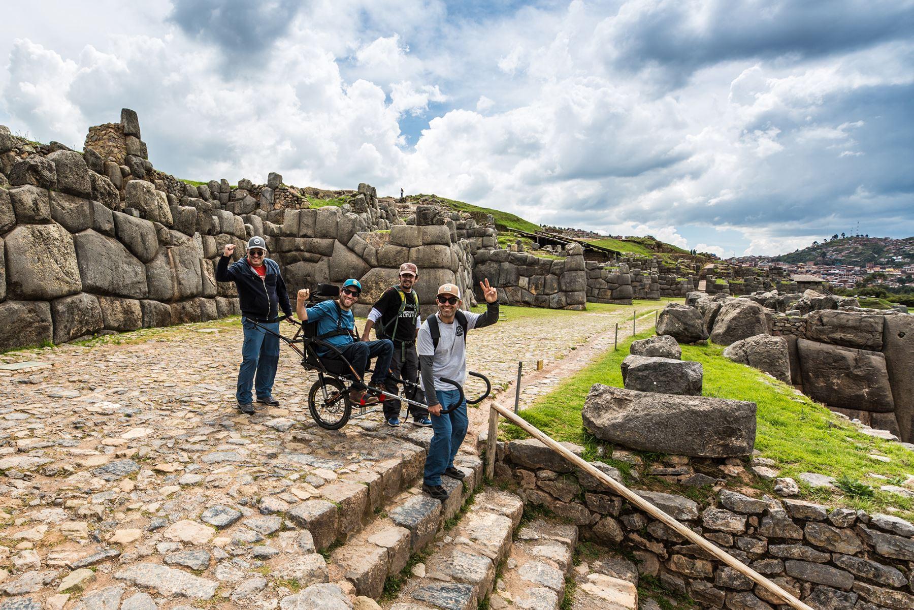 Implementan el primer recorrido en silla de ruedas en parque arqueológico Machu Picchu, en Cusco. Foto: Wheel the World