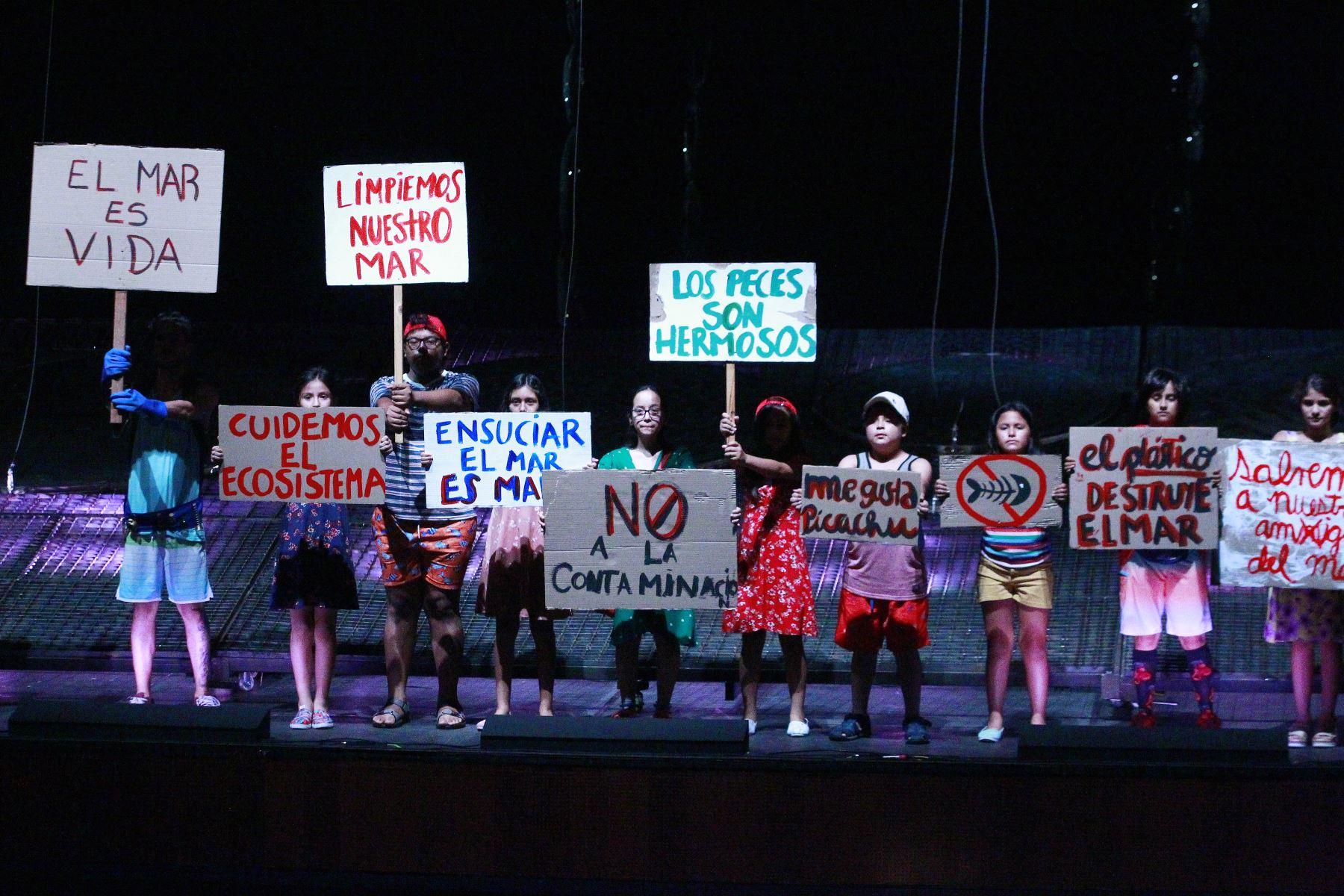Participan más de 70 integrantes del Coro Nacional de Niños. Foto: ANDINA/Eddy Ramos