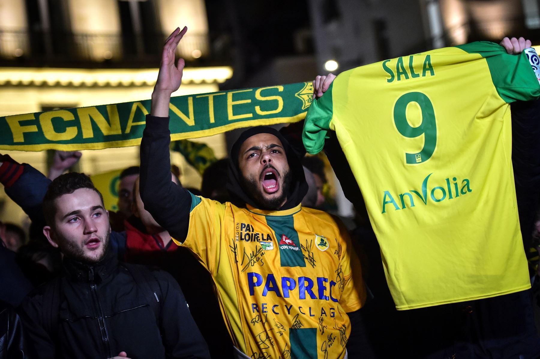 Desde la desaparición del avión donde viajaba Emiliano Sala su equipo, Nantes, e hinchada lamentan su partida. AFP