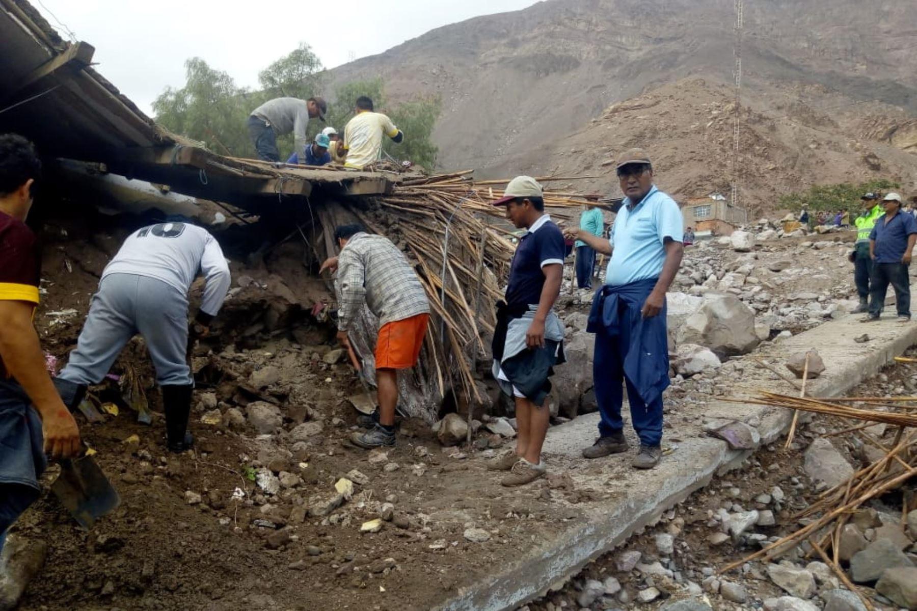3 Muertos por huaico en Arequipa, distrito de Aplao. Foto: ANDINA/Difusión Silvio Arias
