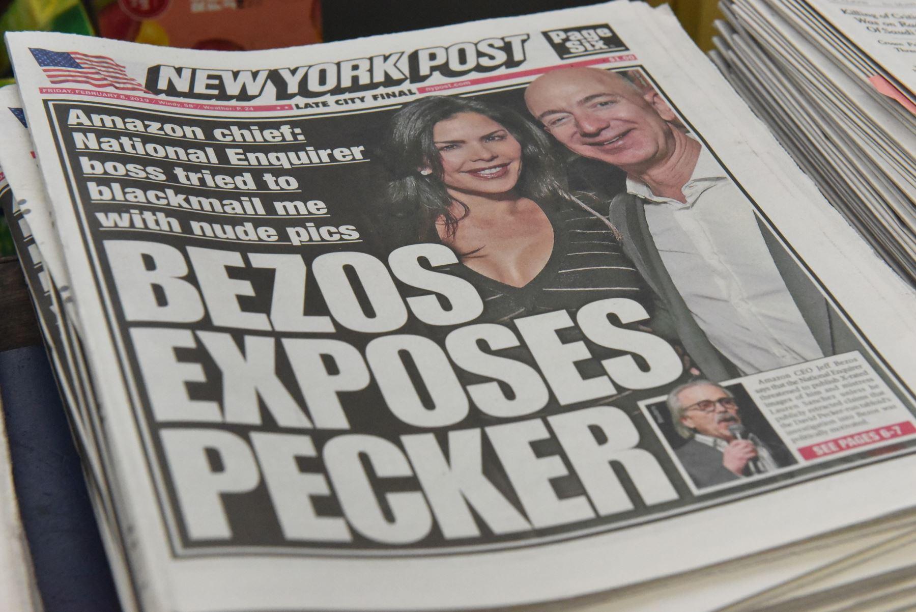The New York Post con un titular que se refiere a Jeff Bezos  Foto: AFP