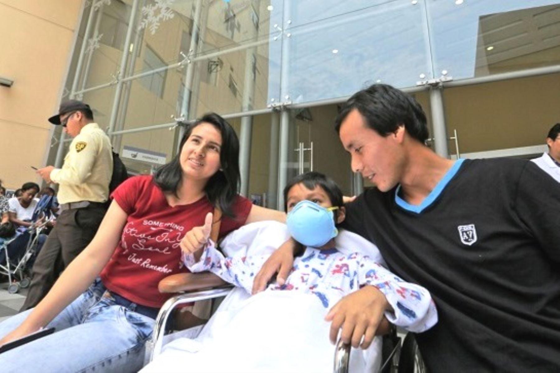 Médicos del Minsa realizan trasplante hepático para salvar la vida de niño de 9 años. Foto: ANDINA/Difusión.