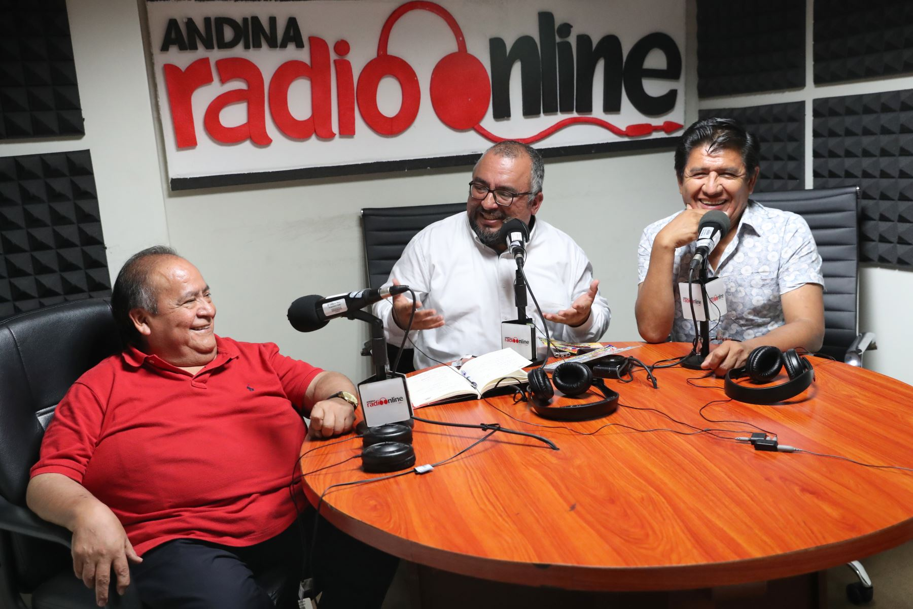 Los Shapis estuvieron con nuestro colega Jose Vadillo en la radio  Andina on line. Foto: ANDINA/Melina Mejía