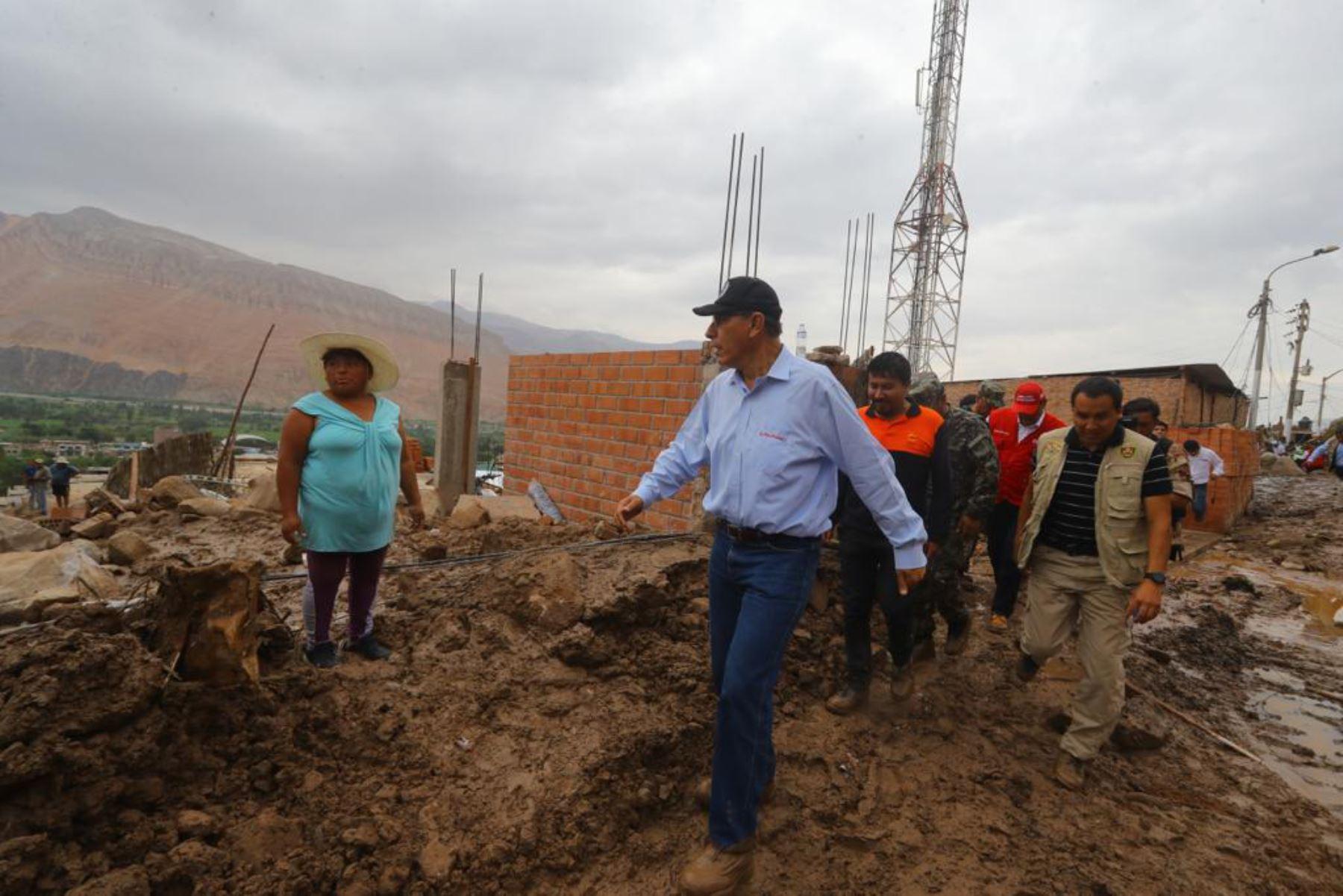 El presidente de la República, Martín Vizcarra, visita    zonas afectadas  por las lluvias y la caída de huaicos. Y declara zona  de emergencia  en Aplao ,Arequipa y otras zonas del sur.Foto:ANDINA/Prensa Presidencia