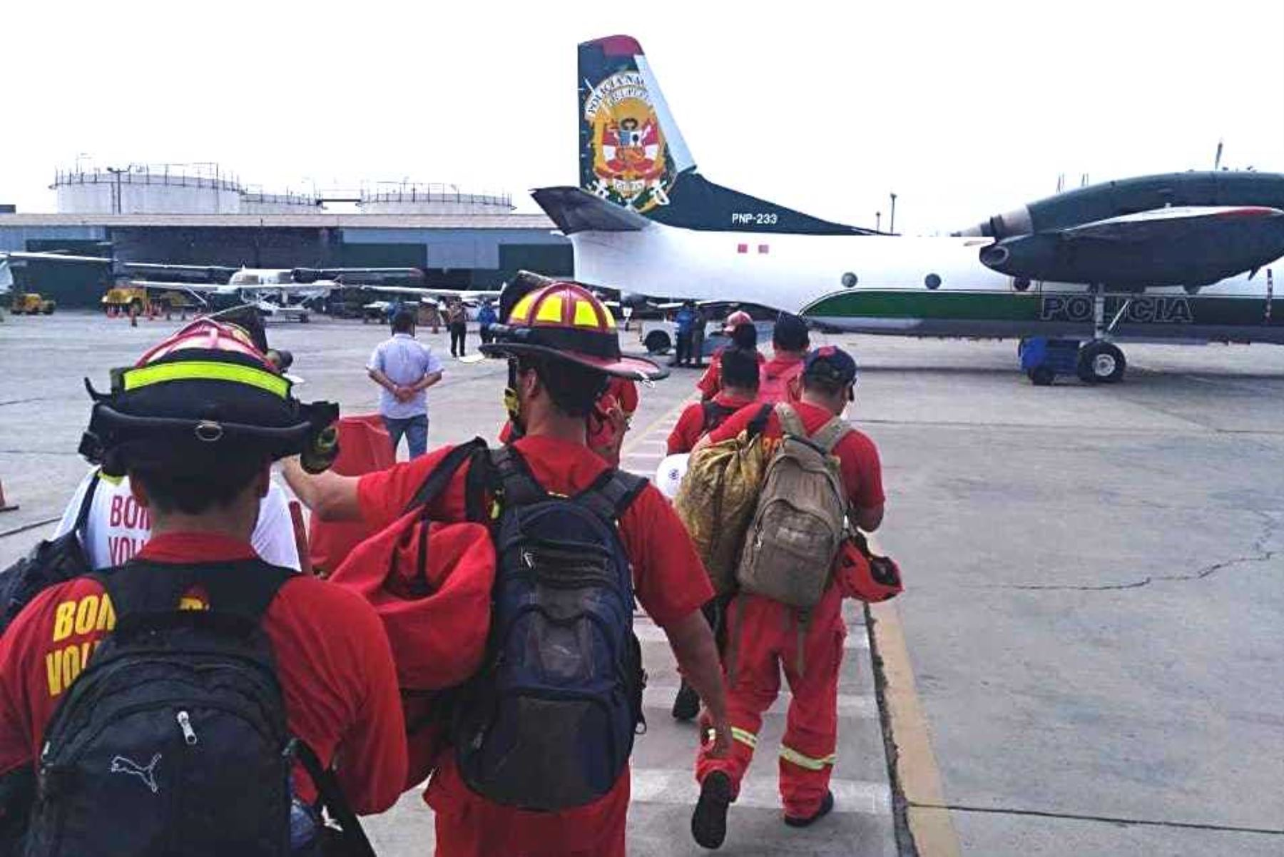 Bomberos voluntarios de Lima viajaron a Moquegua para labores de salvataje. Foto: ANDINA/Difusión.